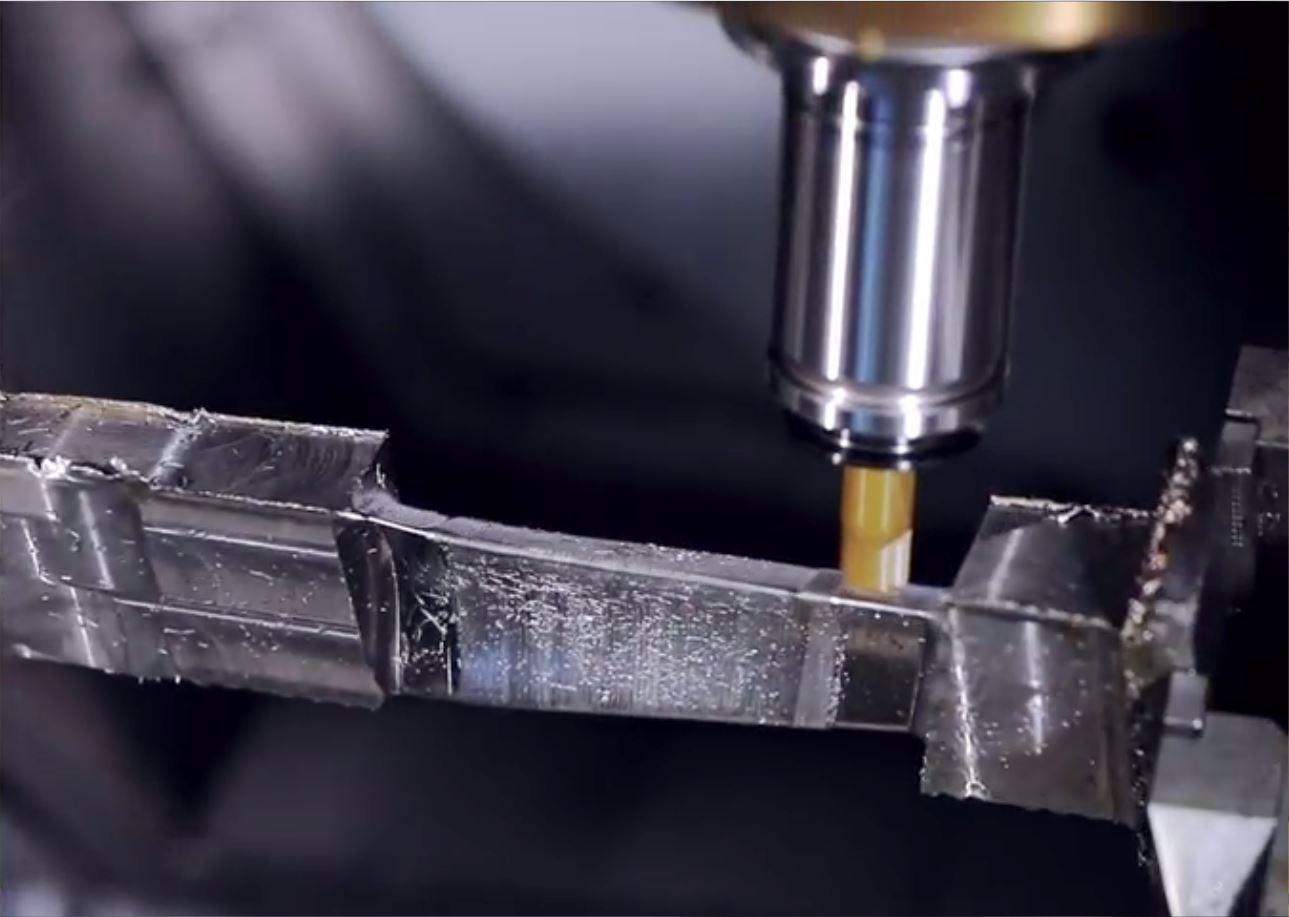 کاربرد سرامیکها در ماشینکاری آلیاژهای دما بالا، فرآیند ماشینکاری پرههای اینکنل [فیلم]