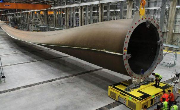 پردهبرداری از اولین پره توربین صد متری جهان