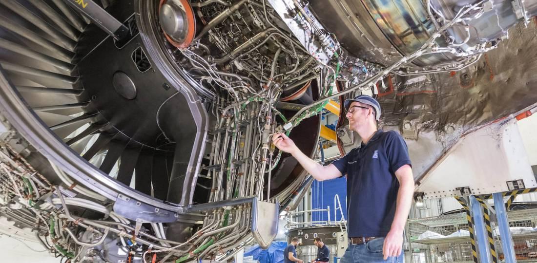 رولزرویس موتور اولترافن را با سوخت هوایی پایدار آزمایش میکند