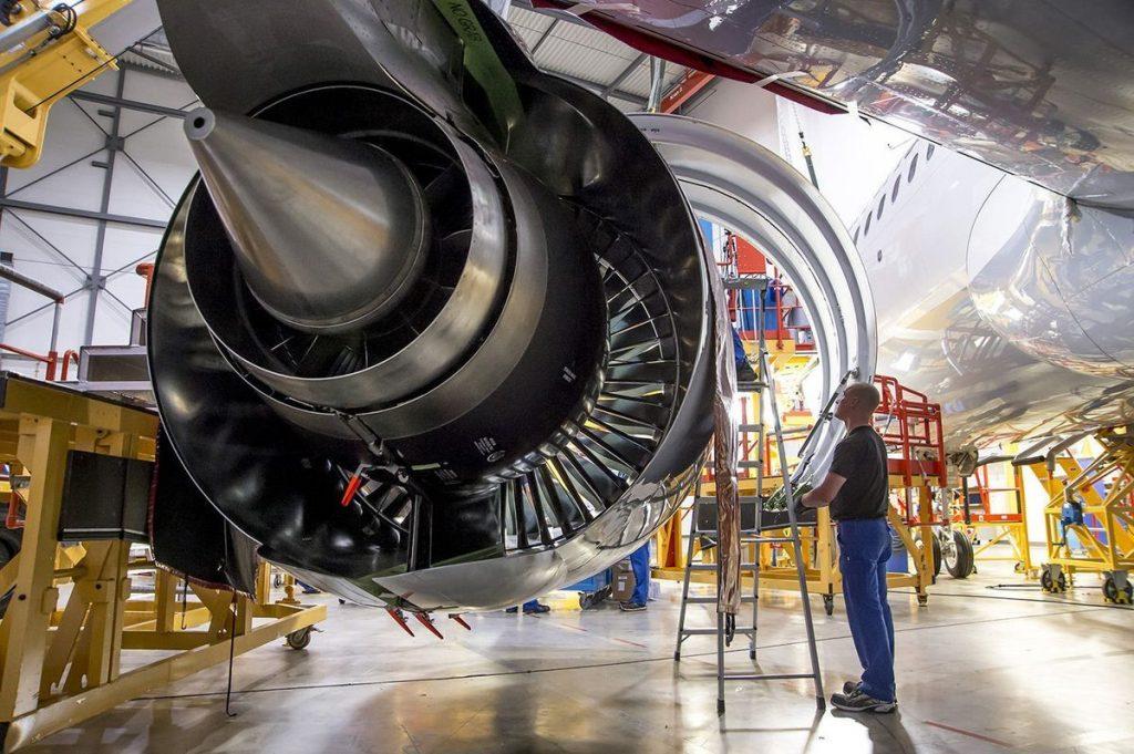 موتور هوایی غیرنظامی