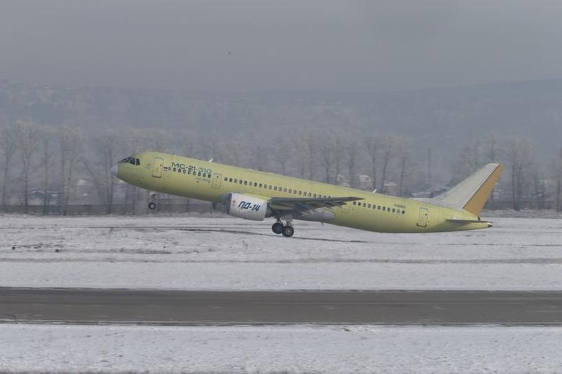 نخستین پرواز جت مسافربری جدید روسیه با موتورهای توربوفن بومی