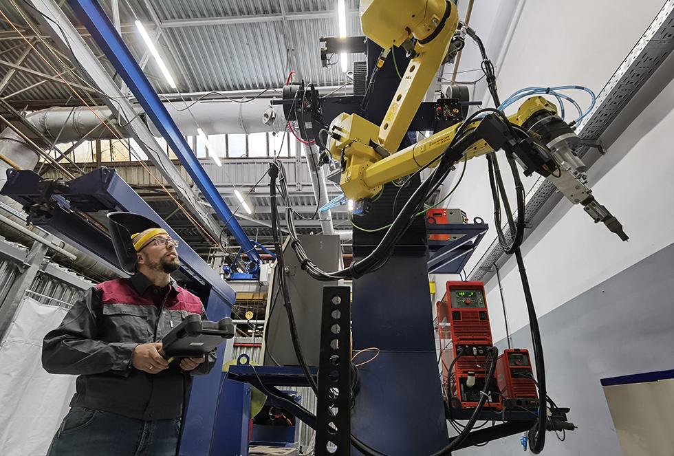 خط جوشکاری رباتیک
