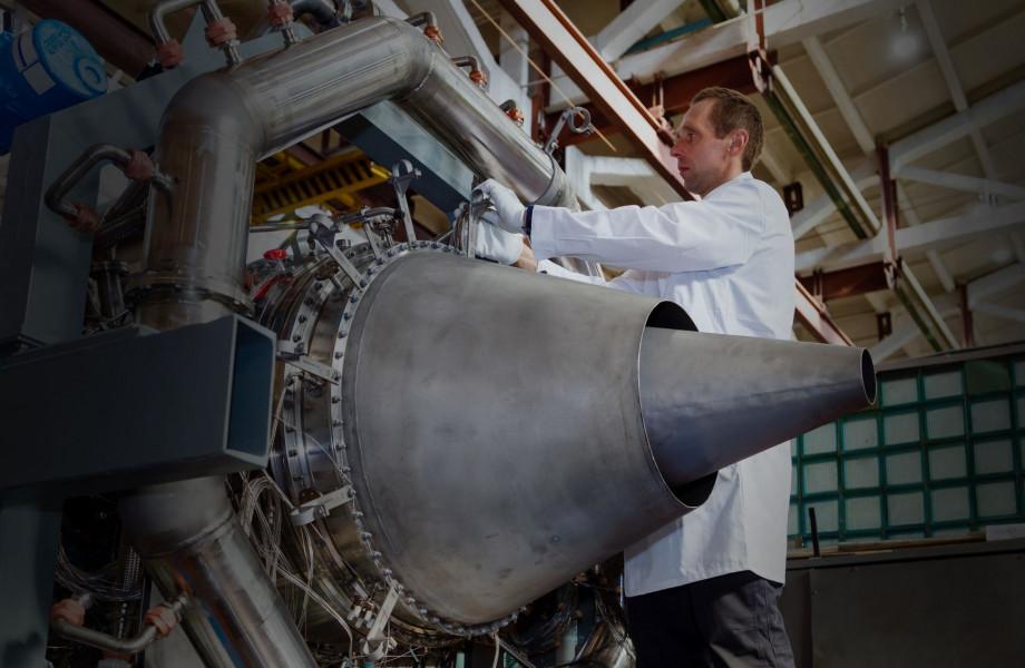 عرضه موتور توربوفن پیدی8 در نمایشگاه هوایی ماکس 2021