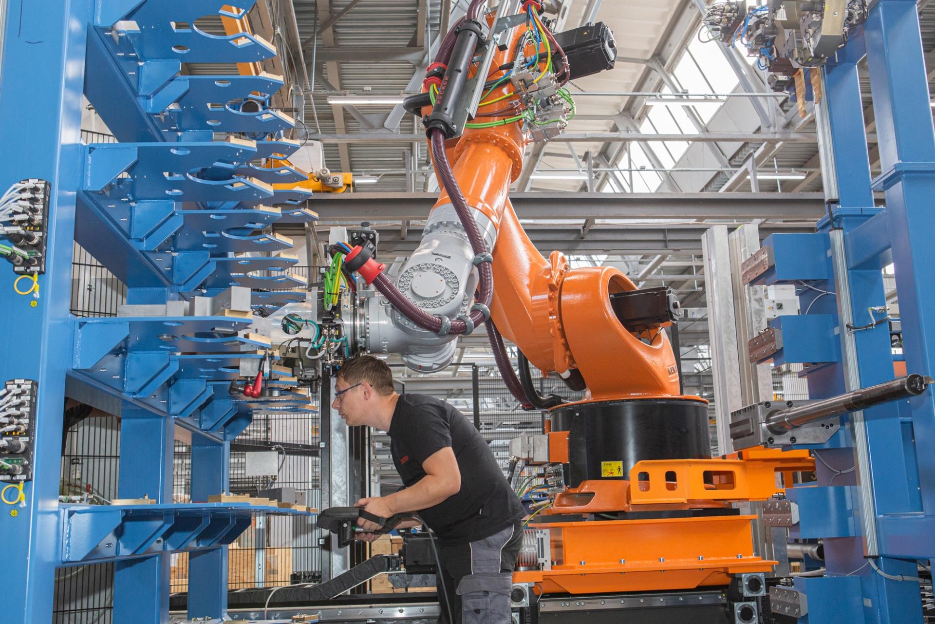 راهاندازی مرکز تخصصی تولید محور موتور در کارخانه پرم